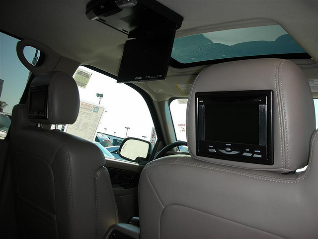 lecteur dvd portable pour voiture lecteur dvd portable. Black Bedroom Furniture Sets. Home Design Ideas
